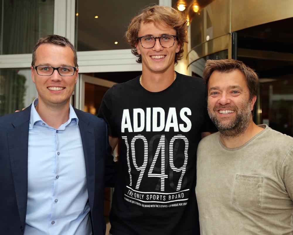 Deutschlands Tennis Superstar Alexander Zverev Ist In Hallewestfalen