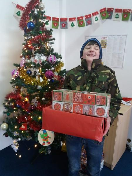 Die Weihnachtspäckchen sind in Empfang genommen worden!