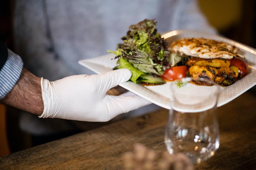 Restaurantbesuch Corona